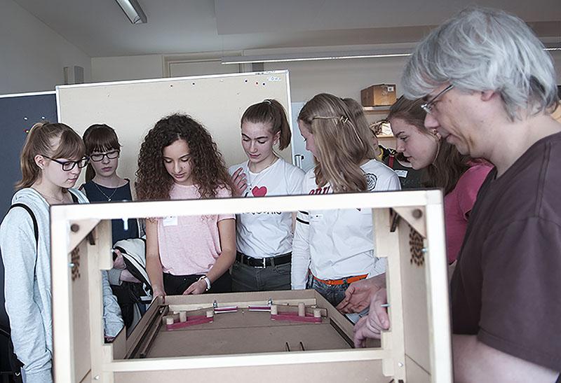 DHBW Heidenheim: Technik dual studieren: Girls' Day am 28 ...  DHBW Heidenheim...